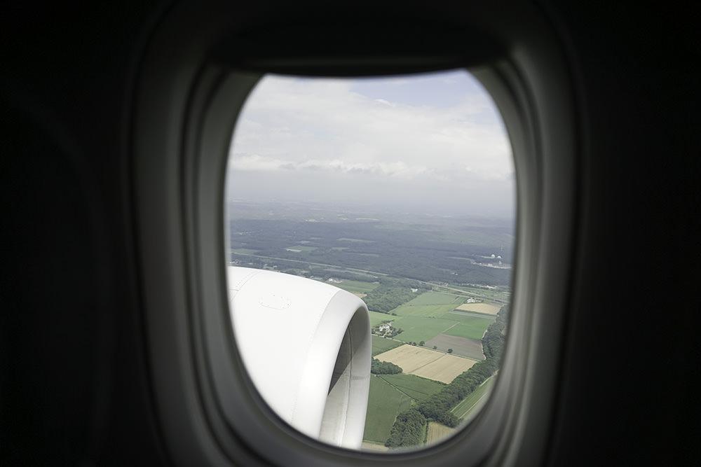 [日本] 中華航空 777-300ER 台北-札幌 豪華經濟艙 & 印度餐 CI130
